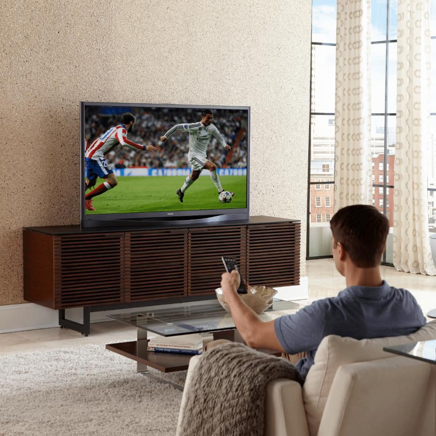 Corridor_Media_Console_BDI_CWL_man watching sports