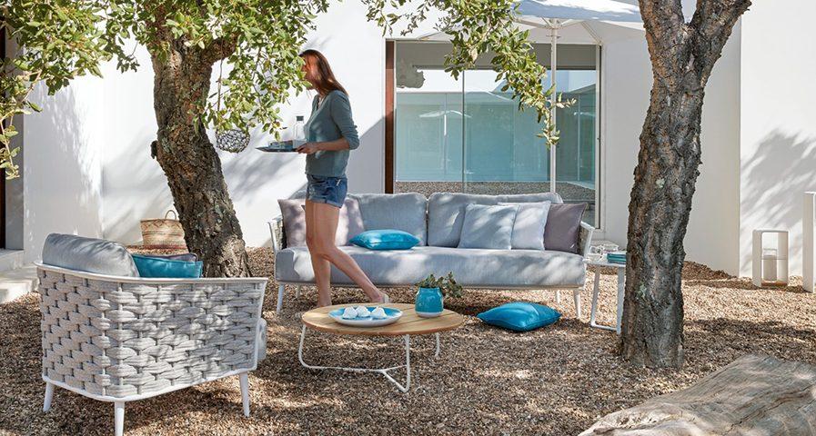 Manutti-Cascade sofa lounge chair white frame