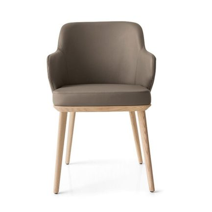 foyer-leather-armchair-calligaris_wood legs